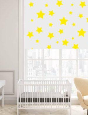 Kollased tähekesed heledal taustal
